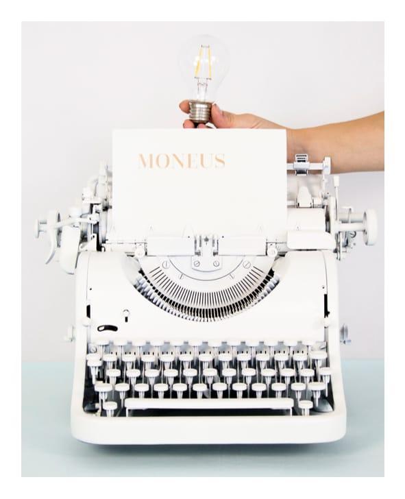 MONEUS - psací stroj
